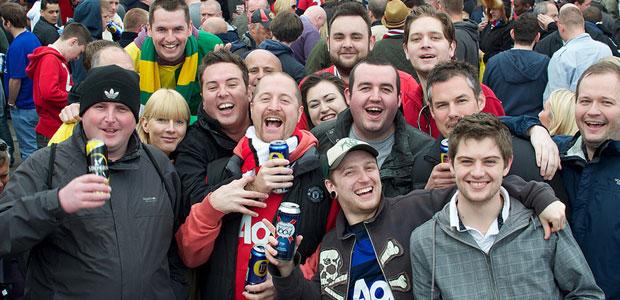 Manchester United fans in Sam Platts pre-match