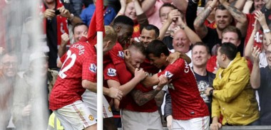 Alexander Buttner celebration with team mates