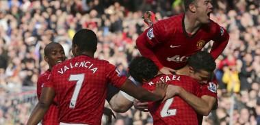 Robin van Persie doesn't celebrate after scoring against Arsenal