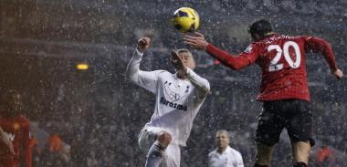 Robin-van-Persie-goal-vs-Tottenham-Hotspur
